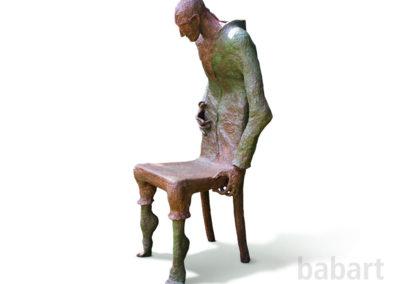 Riguardo | Stuhl und Skulptur in Mischtechnik